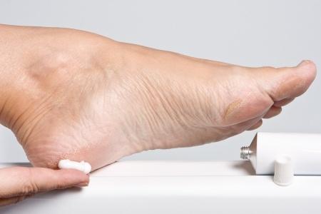 Traitement-soin-des-pieds-pédicure-paris-16