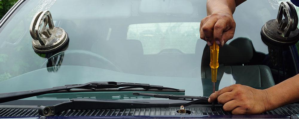 Réparation et remplacement de pare-brise et vitrage à         domicile