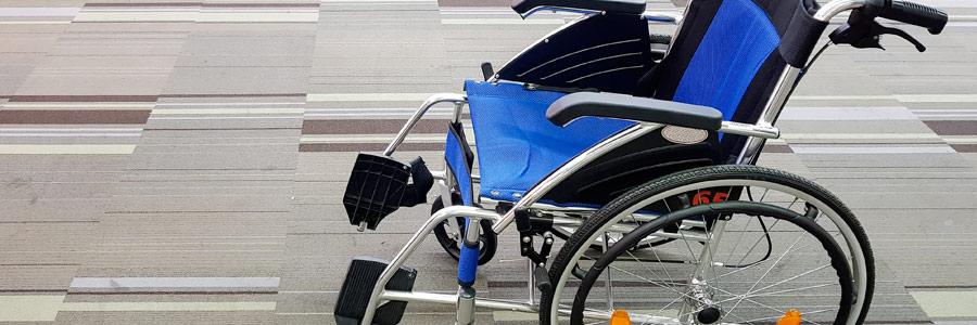 Fauteuil roulant et scooter électrique : les aides à la mobilité