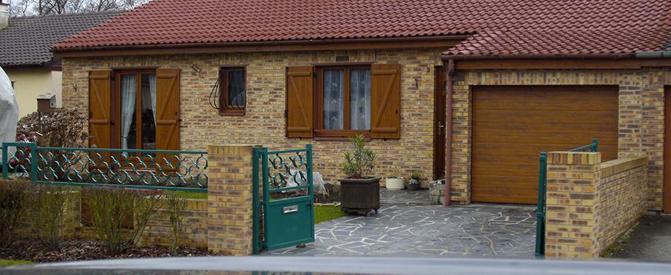 Porte de garage manuelle & motorisée à Saint-Quentin - Decossin