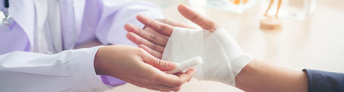 Les soins et la cicatrisation d'une plaie