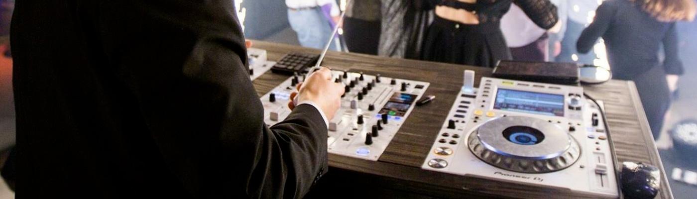 DJ & animation de mariage à Aix-en-Provence – Just Event