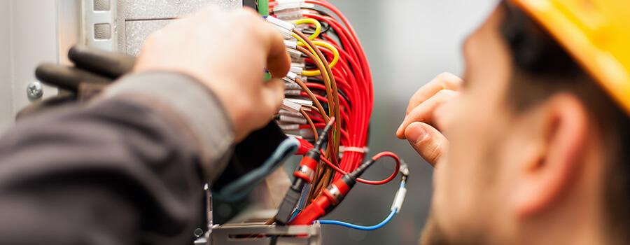 Travaux d'installation électrique dans la région de Grasse