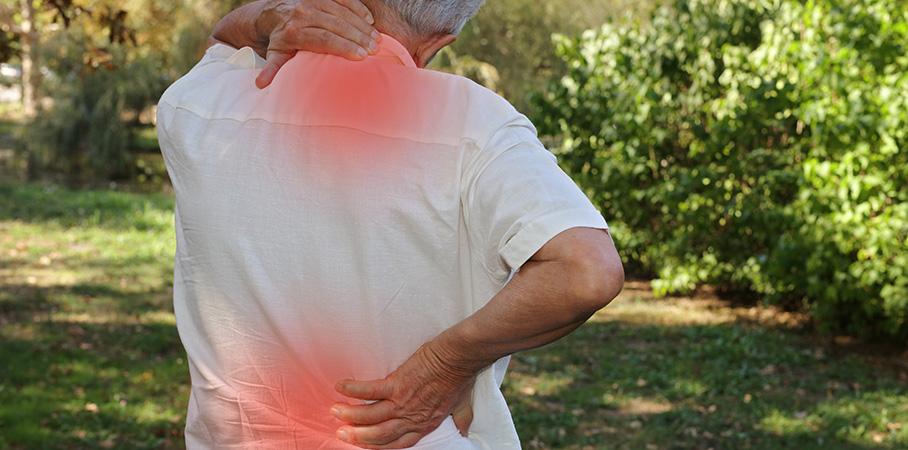 Ostéopathe pour senior à Strasbourg – Matthieu Choley