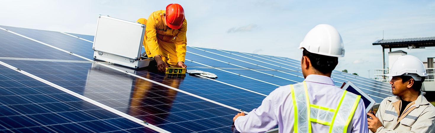 Maintenance des panneaux photovoltaïques à Clermont-Ferrand
