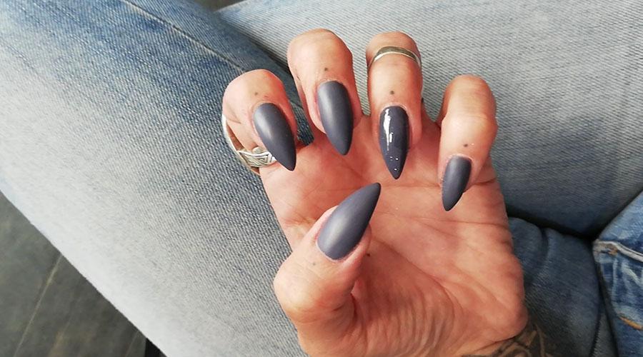 Soin des ongles à Marseille - Salon de tatouage et d'esthétique