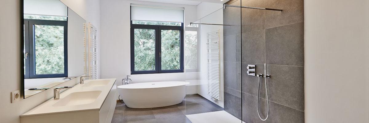 La création et l'installation de salle de bains