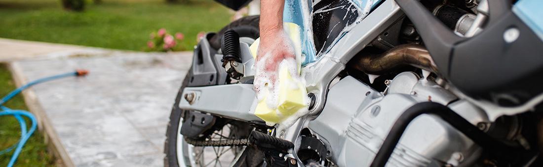 Le lavage moto et scooter