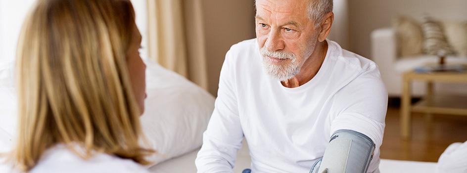 Le maintien à domicile pour les personnes âgées et dépendantes