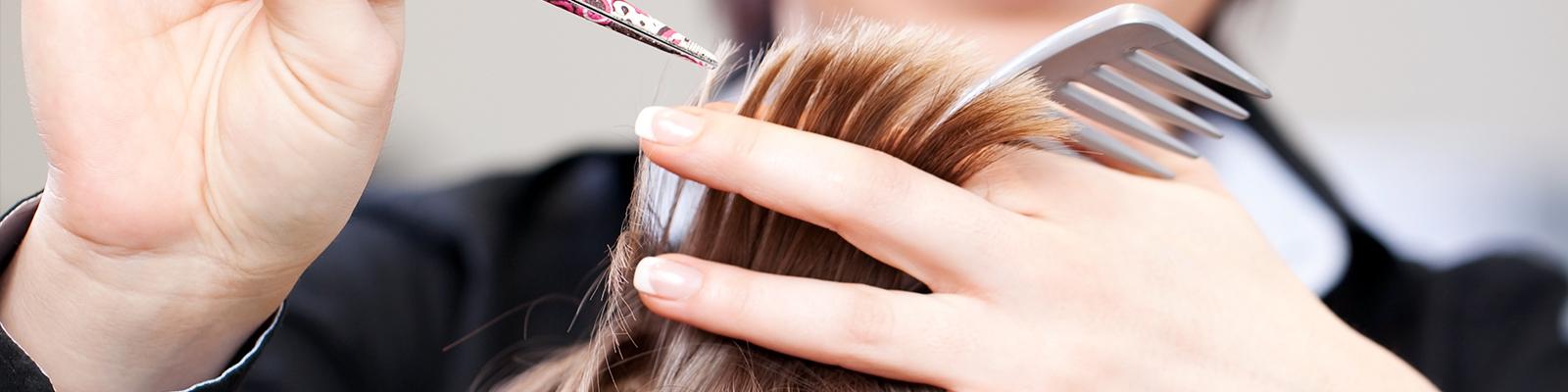 La coupe de cheveux pour enfant