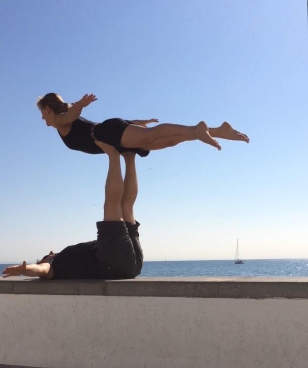 Les bienfaits de l'acro yoga