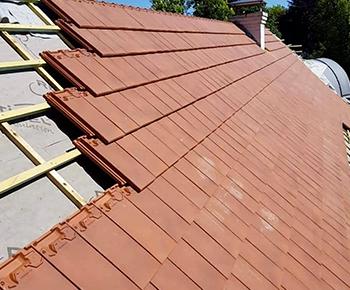 Le nettoyage et l'entretien de la toiture