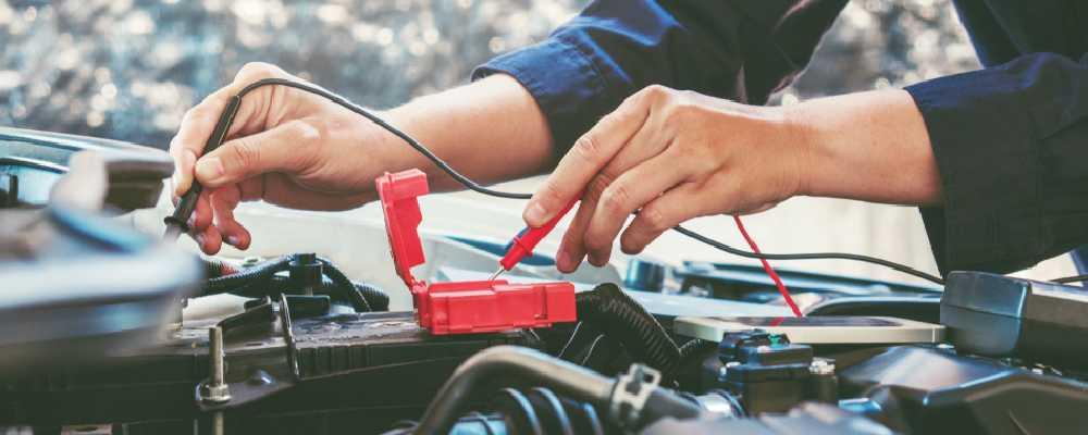 La révision et l'entretien de la voiture