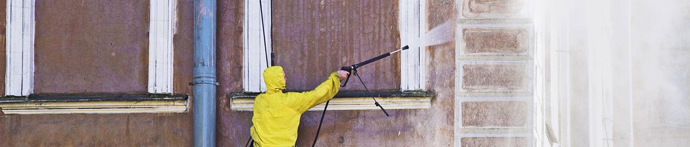 Le nettoyage et l'entretien de la façade
