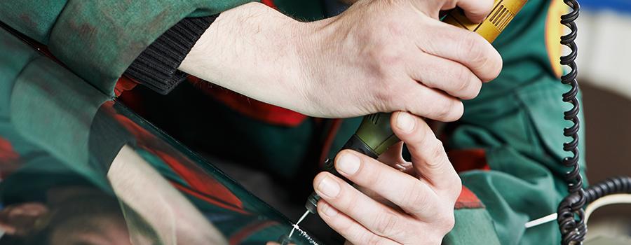 La procédure de réparation du pare-brise