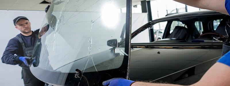 La réparation du pare-brise de véhicule spécifique