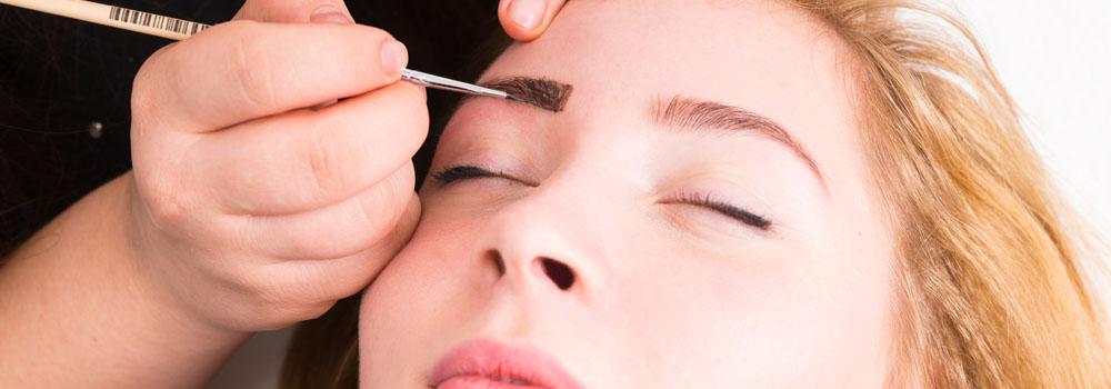 La teinture des sourcils